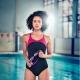Speedo promulga los beneficios de la natación con Nathalie Emmanuel