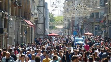 El tráfico en las calles comerciales crece en torno al 20%