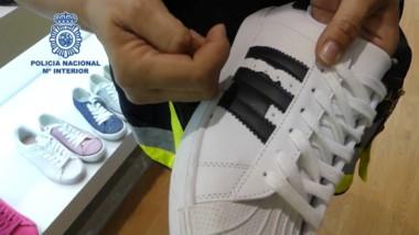 Intervenidas 26.800 zapatillas deportivas falsificadas