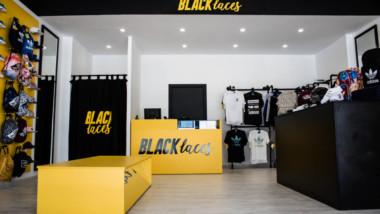 Black Laces arranca con un punto de venta en Cádiz