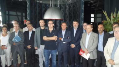 Clamor del comercio barcelonés contra Ada Colau y la marca Top Manta
