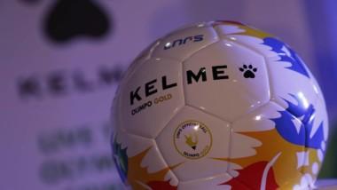 Kelme rinde tributo a la selección española de fútbol con el Olimpo Gold