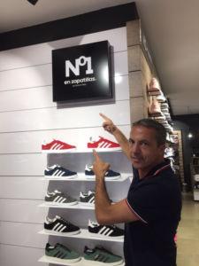 cristobal soria abre tienda numero uno en zapatillas