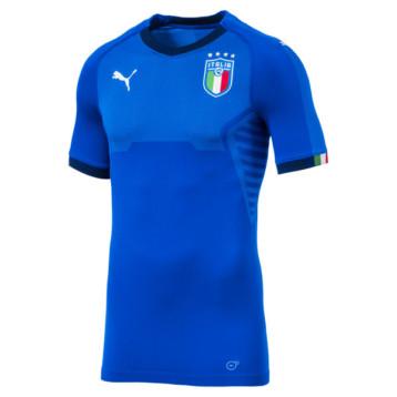 Buffon estrena la nueva camiseta de Italia de Puma