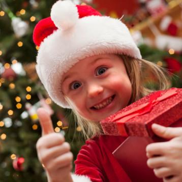 La tienda física continúa siendo el lugar preferido para las compras navideñas
