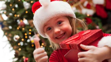 Los españoles gastarán de media 240 euros en regalos de Navidad