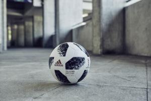 balón Adidas para el Mundial de fútbol 2018