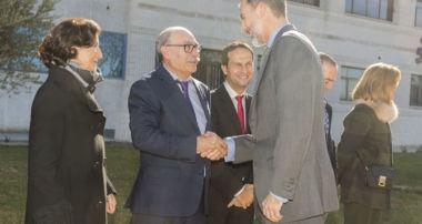 visita de los Reyes de España a la sede de Joma Sport