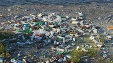 La industria deportiva se une en la lucha contra el plástico en el agua