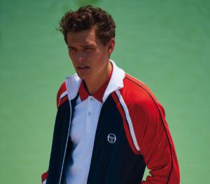 colección elegante de Sergio Tacchini en prendas deportivas inspiradas en el tenis