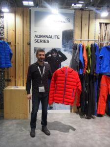 Imanol Muñoz director de Marketing de Ternua Group en el stand de Ispo Munich