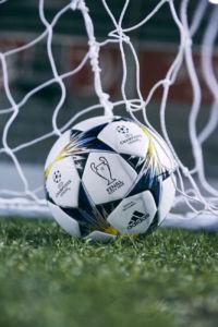balón oficial de Adidas para la Uefa Champions League