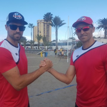 John Smith gana visibilidad en el World Tour de volley playa