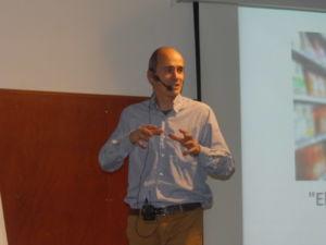Xavier Rivera en su intervención en la sesión de Escodi sobre Tecnología, Retail y Omnicanalidad