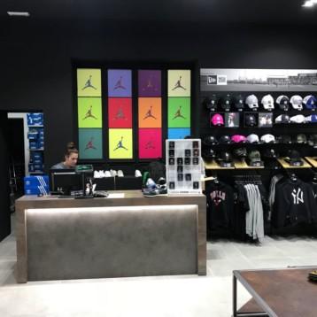 Alicante acoge la cuarta tienda Atmósfera Sport Black