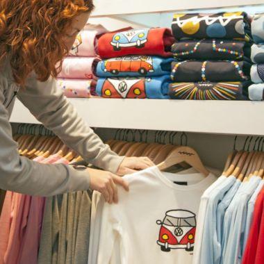 109 euros: lo que gastará en textil deportivo de media cada español este trimestre