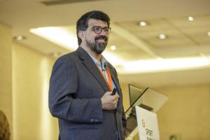 confianza en las redes sociales por Genís Roca