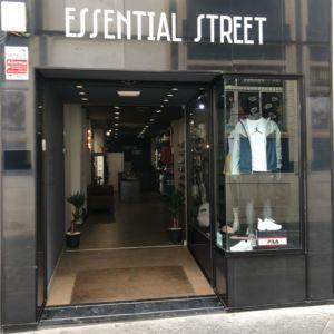 Essential Street tiendas de deporte y moda deportiva de Deportes Cronos