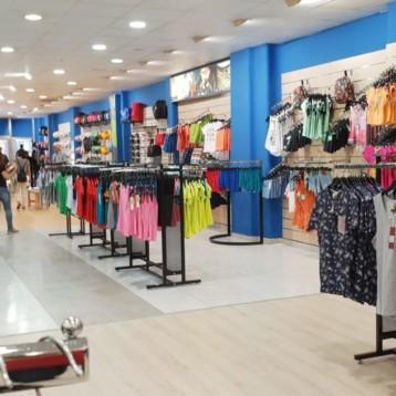 Atmósfera Sport suma 1.500 metros con tres tiendas de un nuevo socio