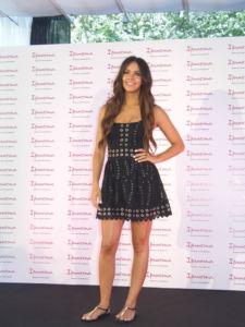 Cristina Pedroche muestra su compromiso con las sandalias Ipanema