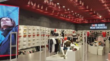 Base reúne ya una docena de tiendas Wanna Sneakers