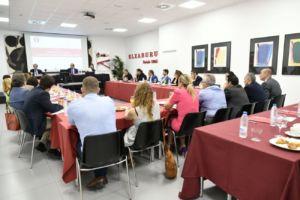debate sobre falsificaciones de productos de deporte en despacho Elzaburu