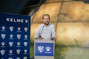 Kelme presenta las nuevas equipaciones de la SD Huesca