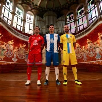 Kelme presenta las equipaciones del Espanyol en un singular escenario