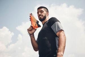 Luis Suárez se compromete con Puma
