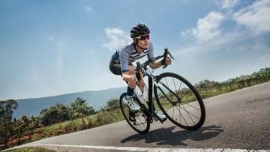 ¿Por qué resulta arriesgada la práctica del ciclismo en la adolescencia?