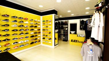 Black Laces gana presencia en Andalucía con aperturas en Huelva y Almería