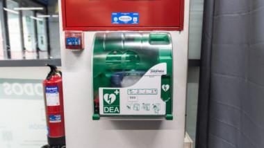 Decathlon incorporará desfibriladores en todas sus tiendas en España