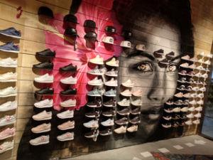 Dooers abre su primera tienda de sneakers en Álava