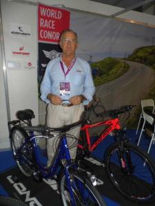 Conor participa en la feria de Casablanca con sus bicicletas y las de WRC