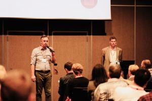 Markus Müller y Klaus Forderer, de GS1, intervienen en la Cumbre Europea del Outdoor de Malmöe
