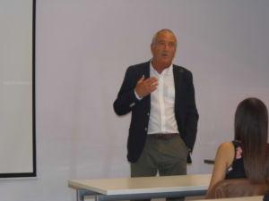 Ignasi Puig director general de Intersport abre el curso de Escodi
