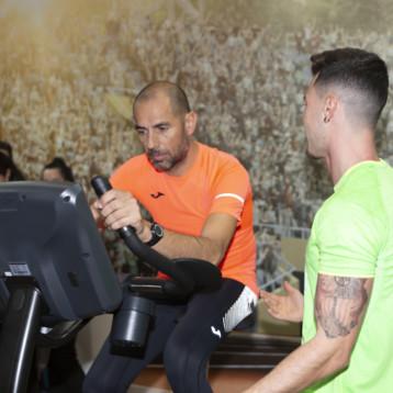 Joma predica con el ejemplo y promueve la actividad física entre su equipo