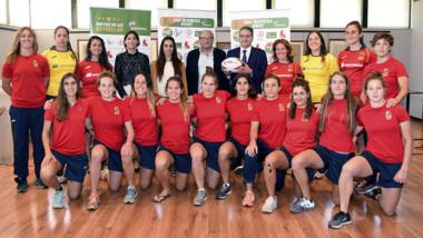 Joma descubre la equipación del equipo español femenino de rugby 7