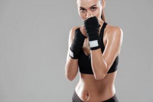 producto deportivo para mujer, textil y calzado
