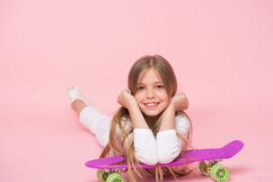 producto deportivo infantil, textil y calzado