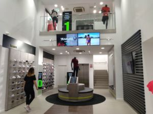 Base:Deportes Natalia abre su décima tienda en Tenerife
