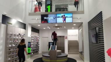 Base inaugura su mayor tienda en Tenerife