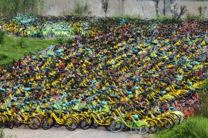 cementerio de bicicletas en China