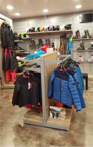 mobiliario y equipamiento comercial para tiendas de deporte
