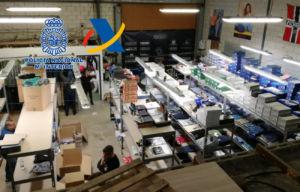 la policía desmantela una red de falsificaciones en internet