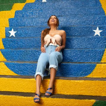 Ipanema acompaña a Anitta en su primer álbum internacional