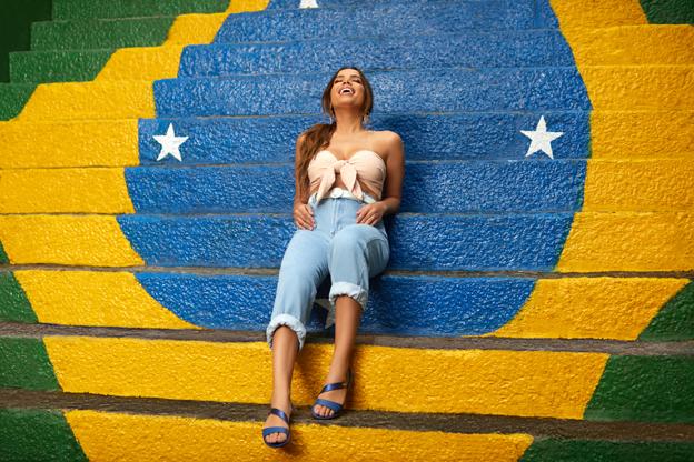 Ipanema acompaña a Anitta en su primer álbum internacional, Kisses