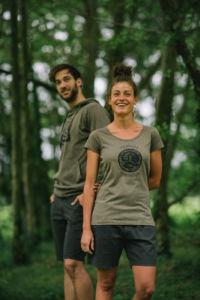 prendas Ternua con tintes sostenibles procedentes de las cáscaras de las nueces