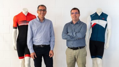 Deporvillage lanza su marca propia textil de ciclismo