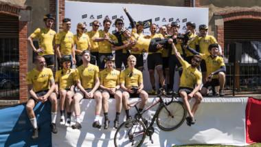 Le Coq Sportif celebra el centenario del maillot amarillo con veinte modelos